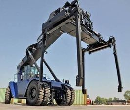 Stacker TEREX avec piggy back